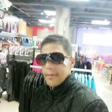 Jou Perez, 39, Barcelona, Spain
