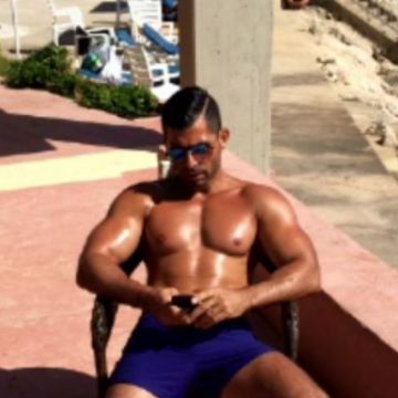 Fadi, 35, Dubai, United Arab Emirates