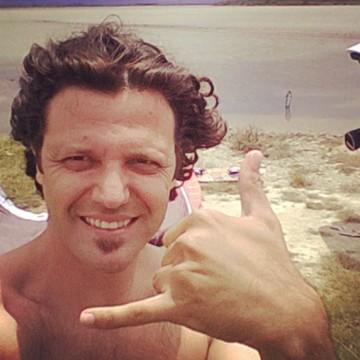 Ismail Kadioglu, 38, Biga, Turkey