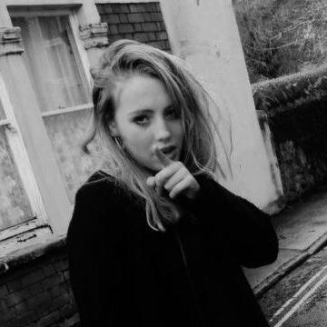 Anna , 20, Bristol, United Kingdom