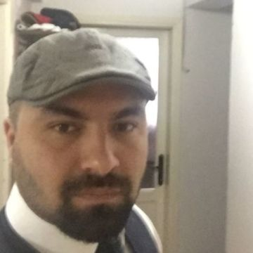 Adnan Dikici, 32, Izmir, Turkey