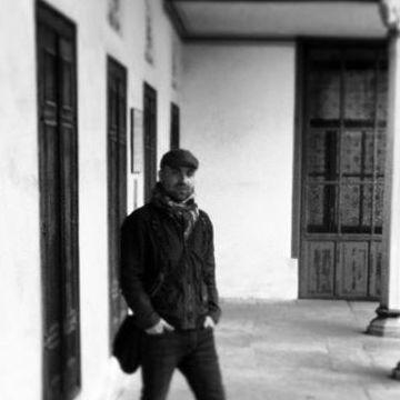 Adnan Dikici, 31, Izmir, Turkey
