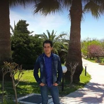 Nihat Çesmeci, 27, Istanbul, Turkey