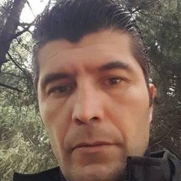 Yıldıray Dereli, 38, Istanbul, Turkey