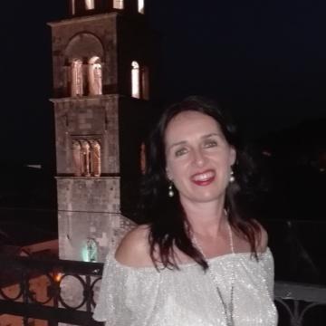 Mairin Mc Sweeney, 49, Annecy, France