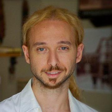 Roberto Lolli, 35, Novara, Italy