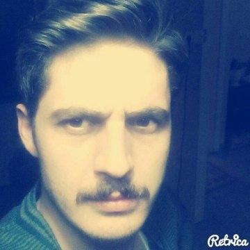 alper, 25, Istanbul, Turkey