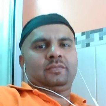 Amir Hussain, 34, Barcelona, Spain