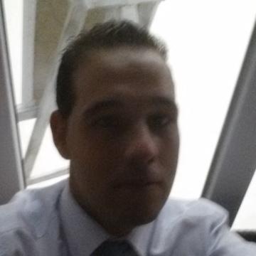 Tavo Fernandez Buezas, 32, Pontevedra, Spain