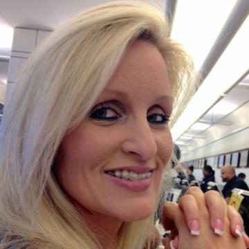 Laura, 45, Vero Beach, United States