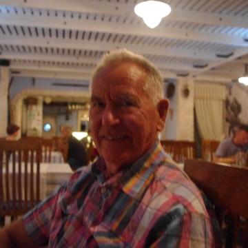 Einar Hanson, 70, Grimstad, Norway