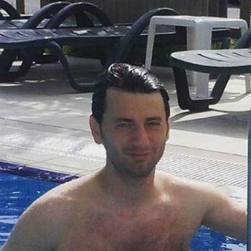 Kadir Altıntaş, 32, Istanbul, Turkey