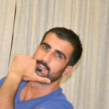 Tekoşer Özmen, 29, Istanbul, Turkey