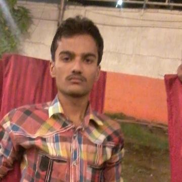 Guru, 22, Karachi, Pakistan