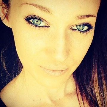 Karen Hackenys, 24, Nice, France