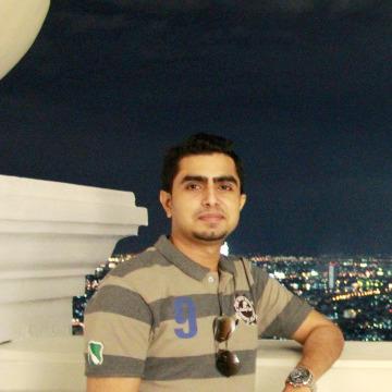 Xeeshan, 31, Karachi, Pakistan