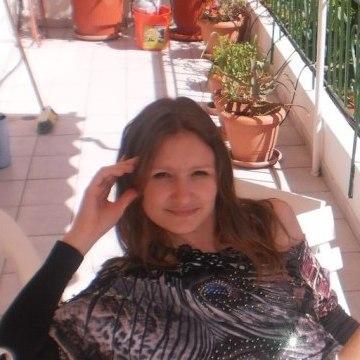 Julia, 35, Athens, Greece
