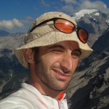 Thomas, 30, Trento, Italy