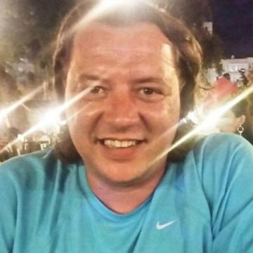 Asil Özgür, 40, Izmir, Turkey