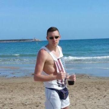 Emilio, 28, Madrid, Spain