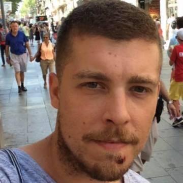 Erik de Lopidana, 31, Barcelona, Spain