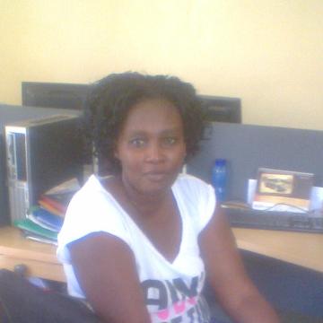 sandra, 35, Nairobi, Kenya
