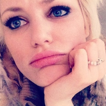 rebeca, 29, Vitre, France