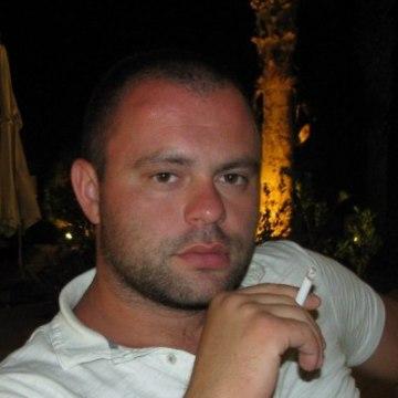 Michael, 31, Toronto, Canada