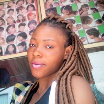 zainab, 26, Lagos, Nigeria