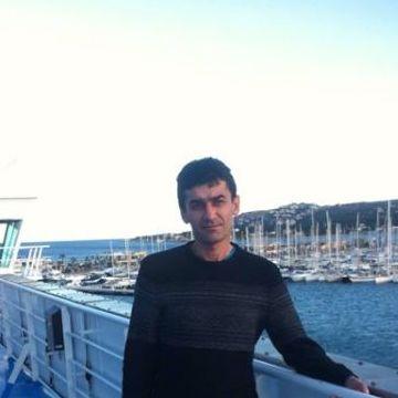 Tavi, 45, Alicante, Spain