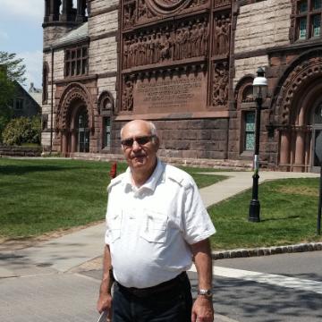 Alex, 75, Marcus Hook, United States
