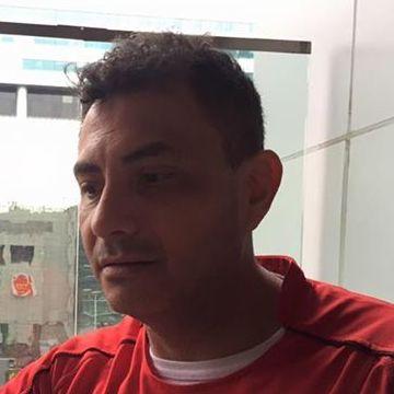 ERIK BAEZA, 45, Santiago, Chile
