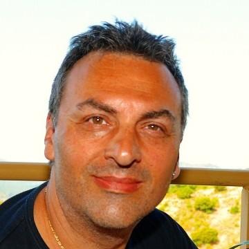Kris Quenehen, 49, Mandelieu, France