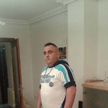 Florin Alexandru, 37, Valladolid, Spain