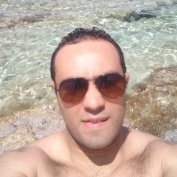 Adam, 33, Berlin, Germany