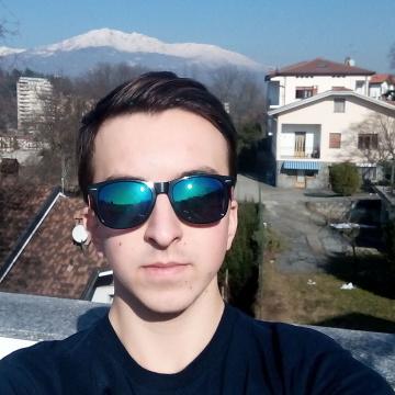 Andrea Rovaris, 21, Torino, Italy