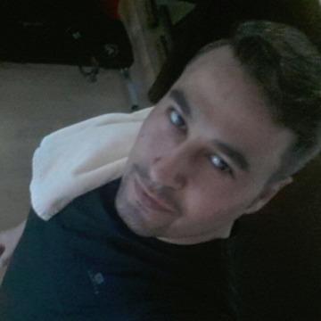 Ammar, 32, Abu Dhabi, United Arab Emirates