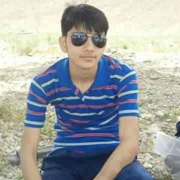 Waqar, 21, Dubai, United Arab Emirates