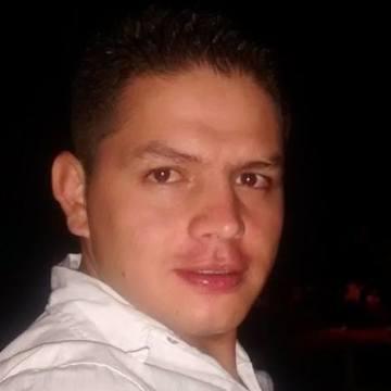 Renzo JG, 31, Bogota, Colombia