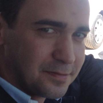 Deniz Özdemir, 35, Izmir, Turkey