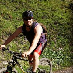 Waes, 33, Bern, Switzerland