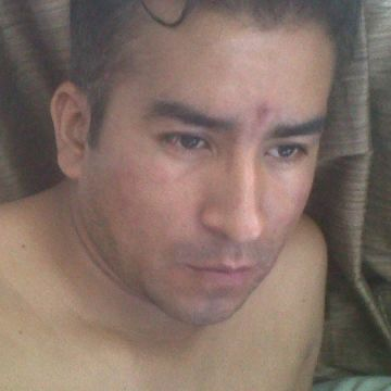 Arell Gonzales, 31, Sevilla, Spain
