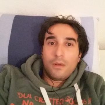 Hollman Rivero, 35, Valencia, Spain