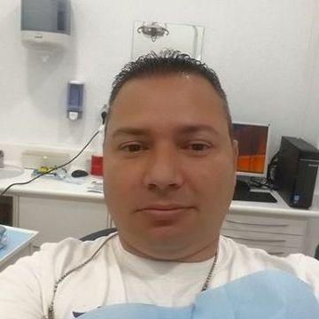 Julius Isla, 41, Telde, Spain