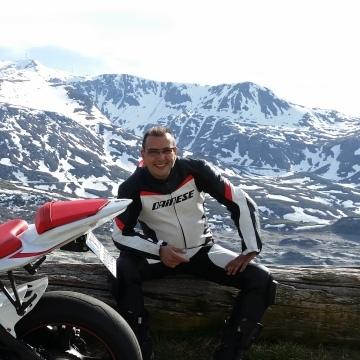 Alessandro, 38, Torino, Italy