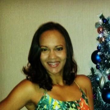 Eliene  Oliveira, 33, Brasilia, Brazil