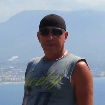 Recep Yücesan, 46, Istanbul, Turkey