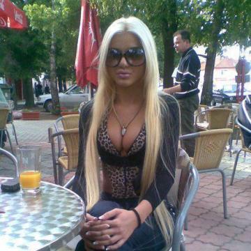 Tira, 23, Dubai, United Arab Emirates