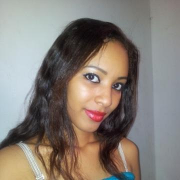 alida, 29, Ouagadougou, Burkina Faso