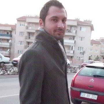Güvenç Güneş, 31, Istanbul, Turkey